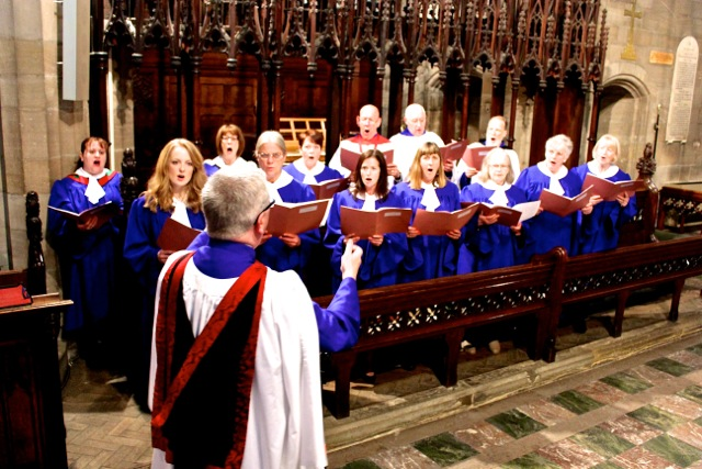 ChoirSingingMay2014